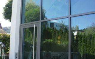- Türen - Fenster - Fassaden - Brandschutz - Schaufenster - Glastrennwände - Oblicht - Torbau